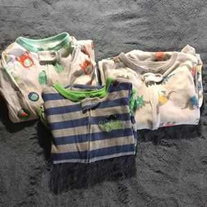 Carters set of 3 footed pjs 18months-2T